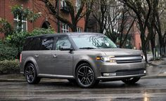 2017 Ford Flex front angle, grille and headlights