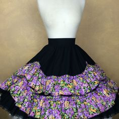 Square Dance Skirt Black w Purple Floral Ruffles & Lace Trim Back Zipper…