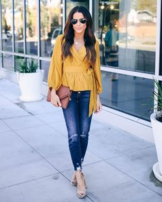 Outfits Spring, Outfits Winter, Summer Work Outfits, Blue Jeans Outfit Summer, Blue Jean Outfits, Outfit Jeans, Shirt Outfit, 40 Year Old Womens Fashion, Womens Fashion Casual Summer