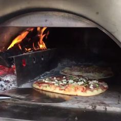 Enjoy the Ease and Flexibility of Cooking with ilFornino Wood Fired Pizza Ovens. We have the large selection of portable pizza ovens. Wood Oven, Wood Fired Oven, Wood Fired Pizza, Pizza Oven Outdoor, Outdoor Cooking, Brick Oven Outdoor, Barbecue Four A Pizza, Oven Diy, Bread Oven