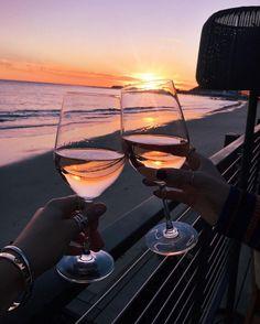 Imagem de wine, beach, and sunset Belle Photo, Summer Vibes, Summer Sunset, Summer Feeling, Life Is Good, Summertime, Scenery, Photoshoot, In This Moment