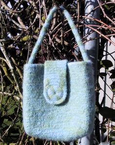 Suzies Stuff: MY LITTLE FLAPPED BAG PATTERN