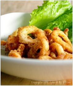 My mom always cooked this recipe when I was a kid: deep fried calamari. This is one of our family& favorite foods. Simple yet very delicious. Greek Recipes, Fish Recipes, Seafood Recipes, Italian Recipes, Cooking Recipes, Yummy Recipes, Best Grilled Shrimp Recipe, Marinated Grilled Shrimp, Italian Appetizers