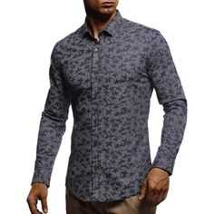 Wearing a shirt with a pattern to a festival guarantuees you all the looks.