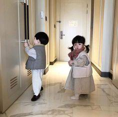 Cute Asian Babies, Korean Babies, Asian Kids, Baby Boy, Cute Baby Girl, Baby Kids, Baby Girl Pictures, Baby Photos, Cute Little Baby