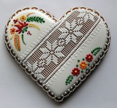 Srdiečka Heart Shaped Cookies, Heart Cookies, Lace Cookies, Sugar Cookies, Pleasing Everyone, Cookie Designs, Royal Icing, Cookie Decorating, Christmas Cookies