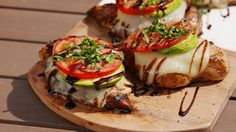 These easy grilled chicken Recipes that are some of the best in the world. Grilled chicken dishes as everyone looks forward to these dish on the table. Healthy Grilling Recipes, Meat Recipes, Dinner Recipes, Cooking Recipes, Grilling Tips, Healthy Food, Grill Recipes, Lunch Recipes, Cocktail Recipes