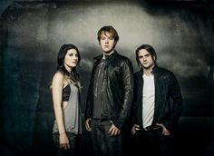 Guitar Girl Magazine - An Ezine about Female Guitarists » Interview with Emma Anzai: Bass Player for Sick Puppies
