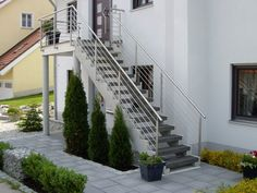 Discover recipes, home ideas, style inspiration and other ideas to try. Outdoor Stair Lighting, Staircase Outdoor, Exterior Stairs, Interior And Exterior, Outside Stairs, German Houses, Steel Stairs, Stair Steps, Attic Renovation