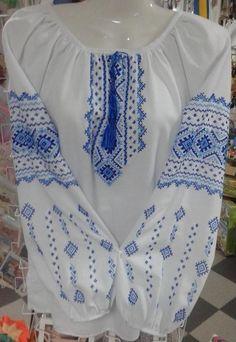 Вишиванка жіноча з натурального льону вишита дрібним хрестиком ... b89537c09437a