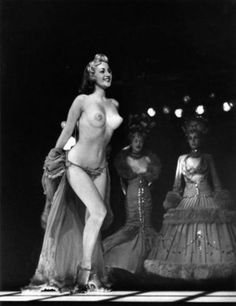 Music hall. Londres 1956....Robert Doisneau