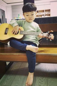 Ahhh and he can even play the guitar