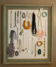 When it comes to organizing stuffs, girls will always be the winner. Probably because they are very clever in organizing (and displaying) their jewelry. I mean, look at these DIY jewelry display case! Jewellery Storage, Jewellery Display, Jewelry Organization, Shoe Display, Necklace Display, Necklace Holder, Diy Necklace, Master Bedroom Redo, Bedroom Inspo