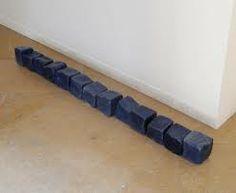 Katinka Bock, Kalender (klein), 2011 10 cubes en céramique émaillée, 12 x12 x 12 cm chaque courtesy de l'artiste et Galerie Jocelyn Wolff