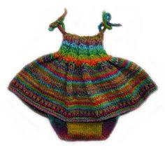 Zarif ince askılı şortlu güzel örgü kız bebek elbisesi   Dantel modeli resmi