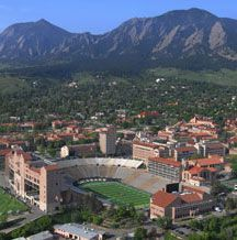 University of Colorado - Boulder, Colorado - such a beautiful campus, and always love the Flatirons to the west, my brother David graduated from CU Boulder Boulder Colorado, Colorado Usa, Colorado Homes, University Of Colorado, Boulder University, Wonderful Places, Beautiful Places, Great View, Rocky Mountains