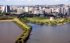 Anfiteatro Por do Sol, Porto Alegre-RS, à esquerda Centro Administrativo