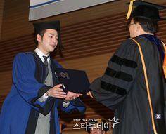 Photo Jang Keun Suk And Jung Il Woo Graduate From Hanyang ...