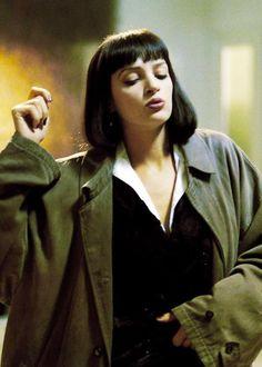 Uma Thurman - Pulp Fiction. Pale skin, dark lips.
