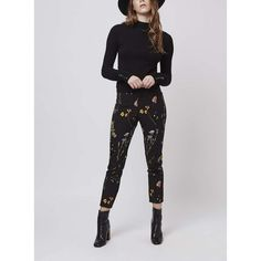 Sleek tailoring meets pretty florals with these cute printed cigarette trousers. For a retro look, style with a funnel-neck top and ankle boots. 6th Form Outfits, Smart Casual Women, Valentines Lingerie, Adult Fancy Dress, Cigarette Trousers, Fashion Boutique, Autumn Winter Fashion, Fashion Outfits, Women's Fashion