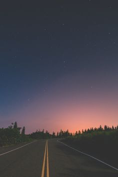 road, sky, and nature image Tumblr Wallpaper, Iphone Wallpaper, Phone Backgrounds, Wallpaper Backgrounds, Belle Photo, Beautiful World, Cute Wallpapers, Aesthetic Wallpapers, Cool Photos