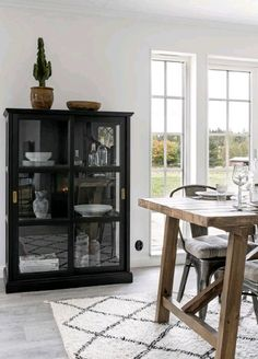 Malsjö cabinet for front room Ikea Inspiration, Interior Design Inspiration, Ikea Living Room, Living Room Interior, Kitchen Interior, Ikea Decor, Room Decor, Dinner Room, Home Bedroom