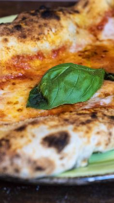 Just Pizza, Good Pizza, Pizza Recipes, Healthy Dinner Recipes, Chicken Recipes, Calzone, Pizza E Pasta, Pasta Facil, Amazing Food Videos
