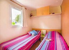La chambre enfants  #locationcamping #locationvacancecamping #YellohVillage #mobilhome #emplacements #hebergementsinsolites #camping5etoiles  http://www.camping-bretagne-oceanbreton.fr/location/cottage-6personnes-3ch.html