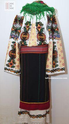 Costume from Bukovina - hand embroidered and hand woven. Folk Fashion, Bohemian Fashion, Folk Clothing, Costumes For Sale, Folk Costume, Embroidered Blouse, Ukraine, Hand Weaving, Kimono Top