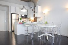 Open house with mimosas and cupcakes! Montreal Ville, Loft, Location, Open House, Condo, Mimosas, Avril, Table, Sunday