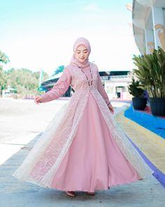 Kebaya Modern Hijab, Fashion Outfits, Inspiration, Instagram, Dresses, Style, Gowns, Biblical Inspiration, Vestidos