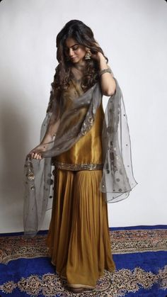 Discover recipes, home ideas, style inspiration and other ideas to try. Party Wear Indian Dresses, Pakistani Fashion Party Wear, Designer Party Wear Dresses, Indian Gowns Dresses, Indian Bridal Outfits, Kurti Designs Party Wear, Dress Indian Style, Indian Fashion Dresses, Indian Designer Outfits