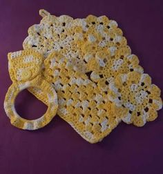 Sunshine kitchen set by Purtisful Loops Crochet by Jess at www.purtisfulloopsbyjess.etsy.com Www.facebook.com/purtisfulloops