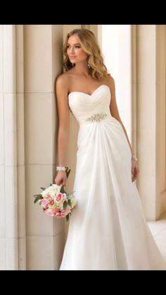 Kleinfeld A line wedding dress