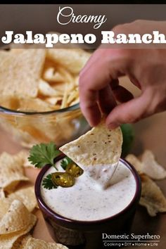Jalapeno Ranch is delicious, and I knew putting it on top of these nachos would be a hit. Everyone loved the Jalapeno Ranch Back Bean Loaded Nachos. Dip Recipes, Sauce Recipes, Mexican Food Recipes, Great Recipes, Cooking Recipes, Favorite Recipes, Yummy Recipes, Cooking Tips, Appetizer Dips