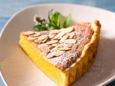 Goat Cheese Cake with Hazelnut, Easy and Cheap - Clean Eating Snacks Cheap Clean Eating, Clean Eating Snacks, Pumpkin Dessert, Pie Dessert, Pie Recipes, Sweet Recipes, Pumpkin Pie Cheesecake, Different Cakes, Salty Cake