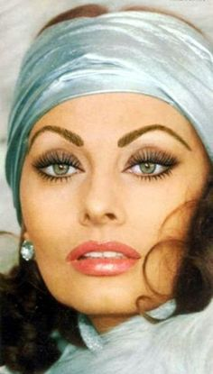 Sophia Loren - this is one gorgeous woman!