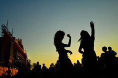 23 Things On Our SLO Summer Bucket List Music Festivals.best way to spend the summer!best way to spend the summer! Festival Paint, Summer Music Festivals, Summer Concerts, Silhouette Pictures, Summer Bucket Lists, Live Laugh Love, Outdoor Photography, Kinds Of Music, Music Lovers