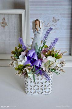 Betonový obal s keramickým andělem a umělými květy Vase, Table Decorations, Furniture, Design, Home Decor, Decoration Home, Room Decor, Home Furnishings