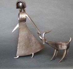 Ferramentas antigas ou objetos de ferro são os materiais utilizados pelo escultor Jean-Pierre Augier para criar objetos artísticos que im...