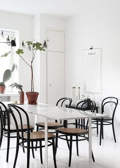bright white modern dining table with black bentwood chairs Decor, Minimalist Dining Room, Kitchen Dining Room, Dining Room Inspiration, Swivel Dining Chairs, Interior, Home Decor, House Interior, Dining