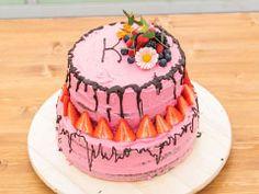 Bezlepkový dort prokamarádku — Peče celá země — Česká televize Cake, Desserts, Food, Tailgate Desserts, Deserts, Kuchen, Essen, Postres, Meals