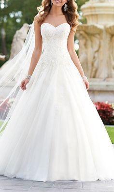 Elegant A-line Wedding Gown