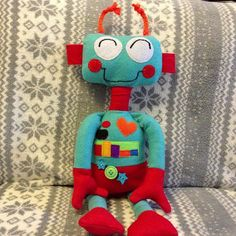 STITCHERS BLOG     adorable robot here.....