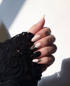 Koronka na każdą okazje #nailsart #nails #handmade #semigirls #semilac #black #perfect #passion #hobby #followme #follow #polishgirl kolorki : 031 Black Diamond i mój ulubiony 159 Yasmin Kiss @semilac