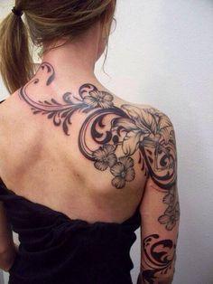 Blumenranken Tattoo