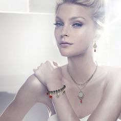 Magic Mirror Pendant from Swarovski. Worn here by Jessica Stam.  I waaaaant and it's in the sale...