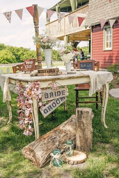 Rustic Trunk will do a great job of styling your wedding! They also have a variety of #vintage #rustic #repurposed #handcrafted items available for rent! @Carrie Brusven @ Rustic Trunk @rustic oaks