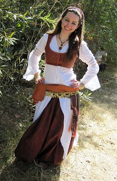 Folkwear Pattern Turkish Dancer – Pigs In Pajamas Larp, Pirate Garb, Pirate Costumes, Tribal Belly Dance, Vest Pattern, Renaissance Fair, Belly Dance Costumes, Cosplay, Belly Dancers