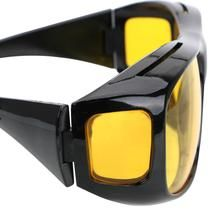 Wearing a yellow lens at night reduces the amount of sight caused by the high beam and xenon headlights. 1 x Driver Goggles. Polarized Sunglasses, Oakley Sunglasses, Mirrored Sunglasses, Hd Vision, Night Vision, Nocturne, Vision Glasses, Xenon Headlights, Unisex